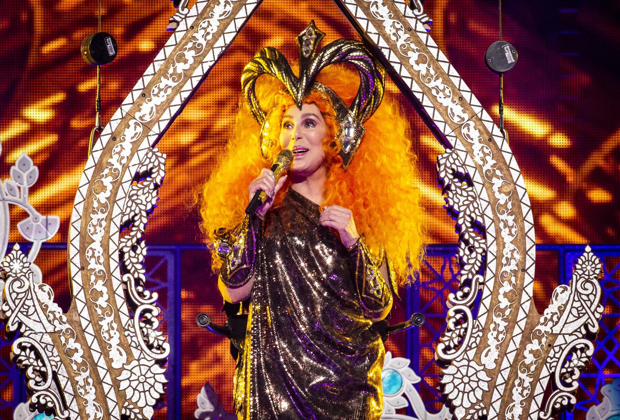 Cher in Orlando: Entertainer still puts on one heckuva ...
