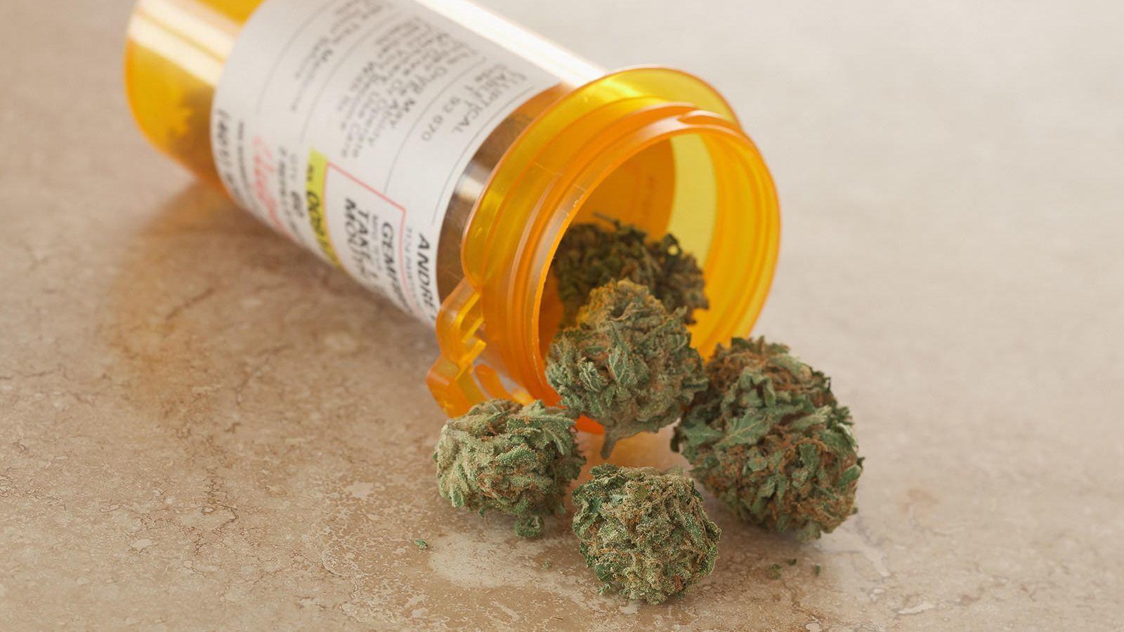 Ct-spt-super-bowl-cbs-medical-marijuana-20190122