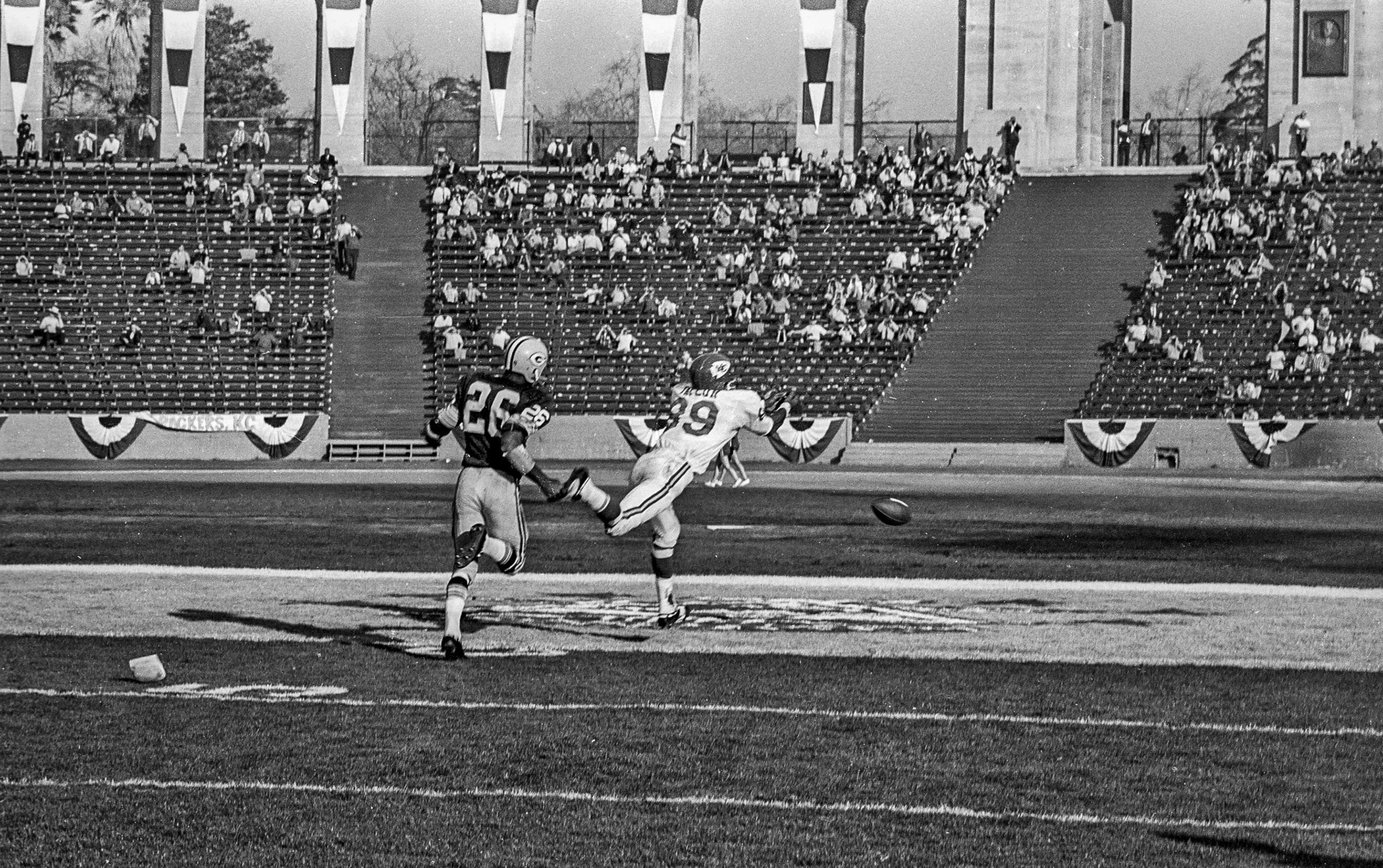 Jan. 15, 1967: A pass for Chiefs' Otis Taylor falls incomplete during first Super Bowl game. Defendi