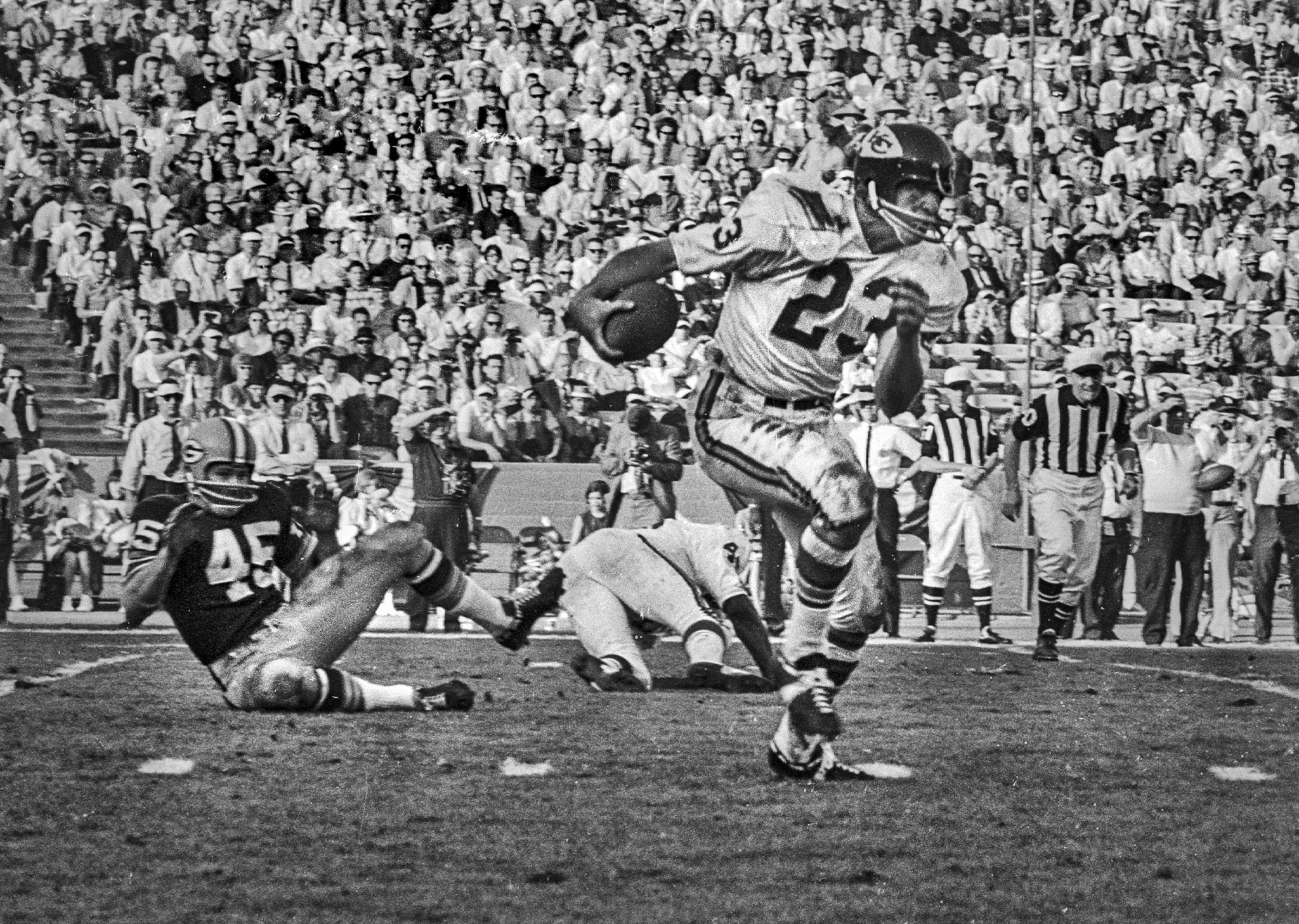 Jan. 15, 1967: Kansas City Chiefs' halfback Bert Coann in action against the Green Bay Packers in f