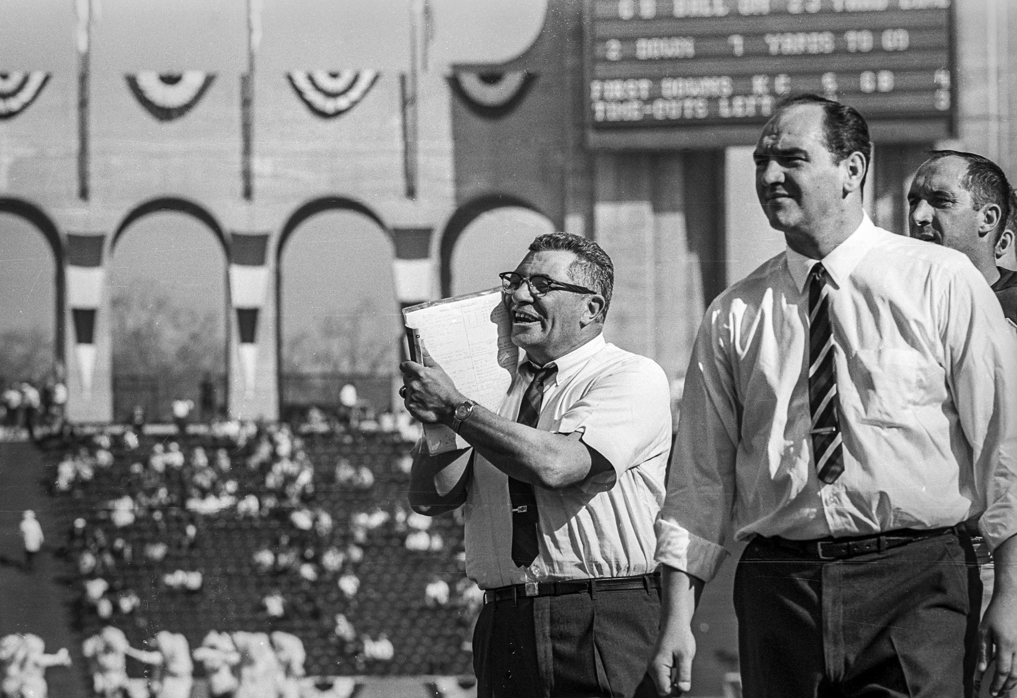 Jan. 15, 1967: Green Bay Packers head coach Vince Lombardi, center, on sidelines at Los Angeles Memo