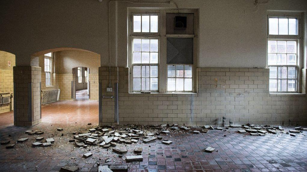 Long Empty Allentown State Hospital Facing The Wrecking