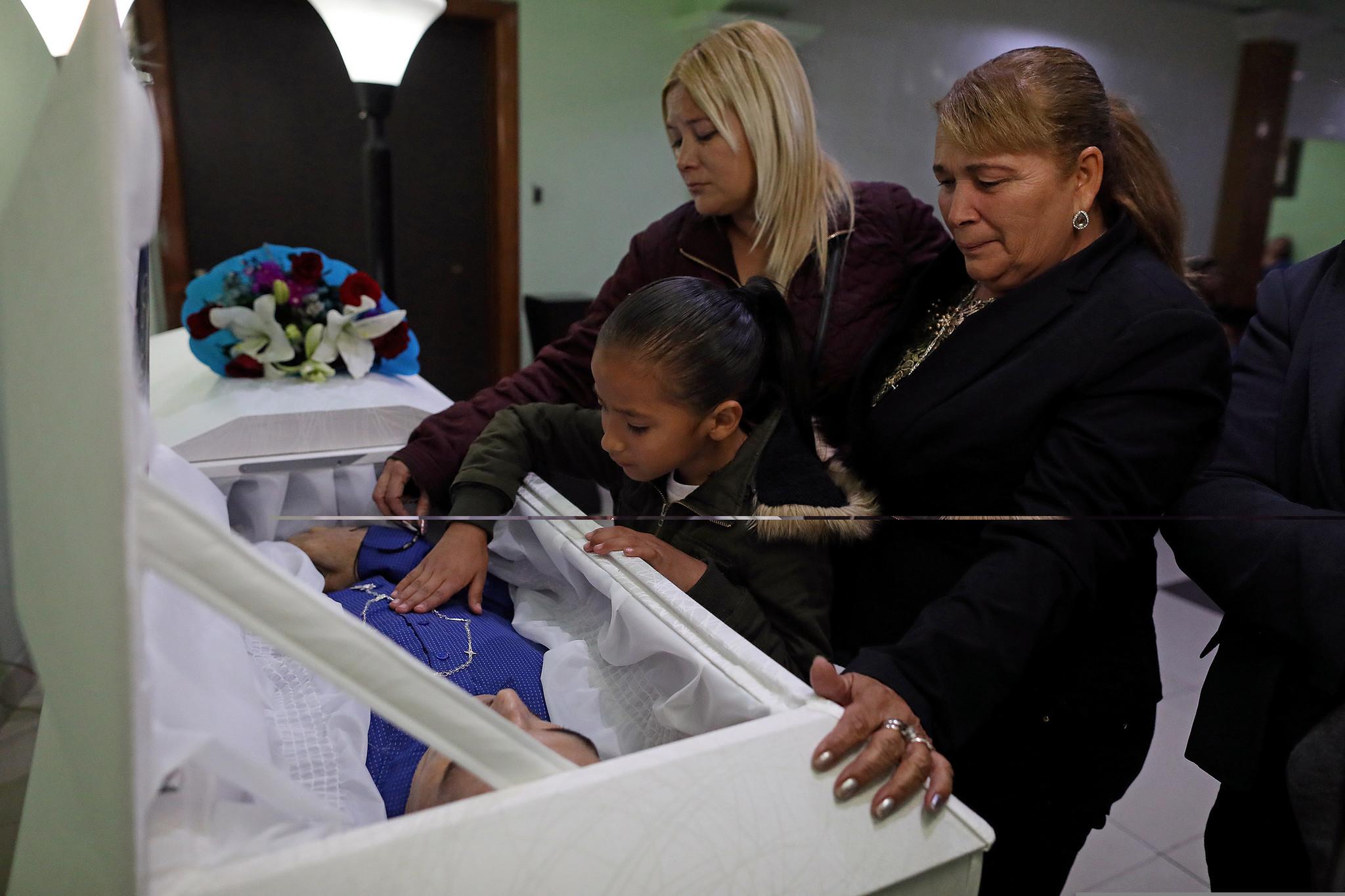 Tijuana mourners