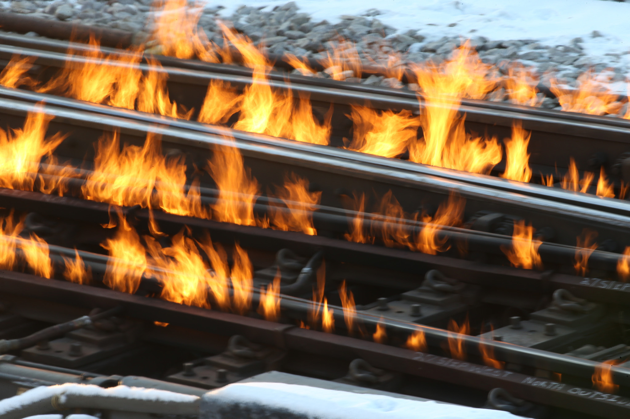 yes fire is used to keep chicago trains running in the