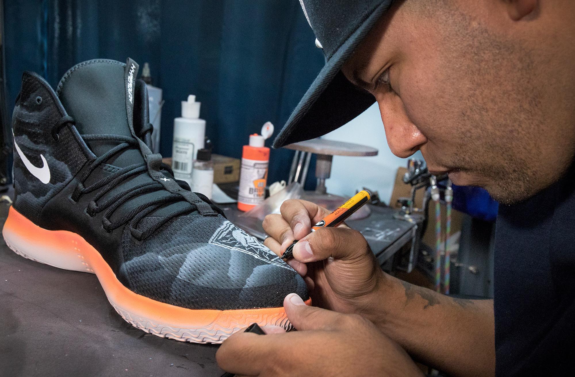 Artist Salvador Amezcua