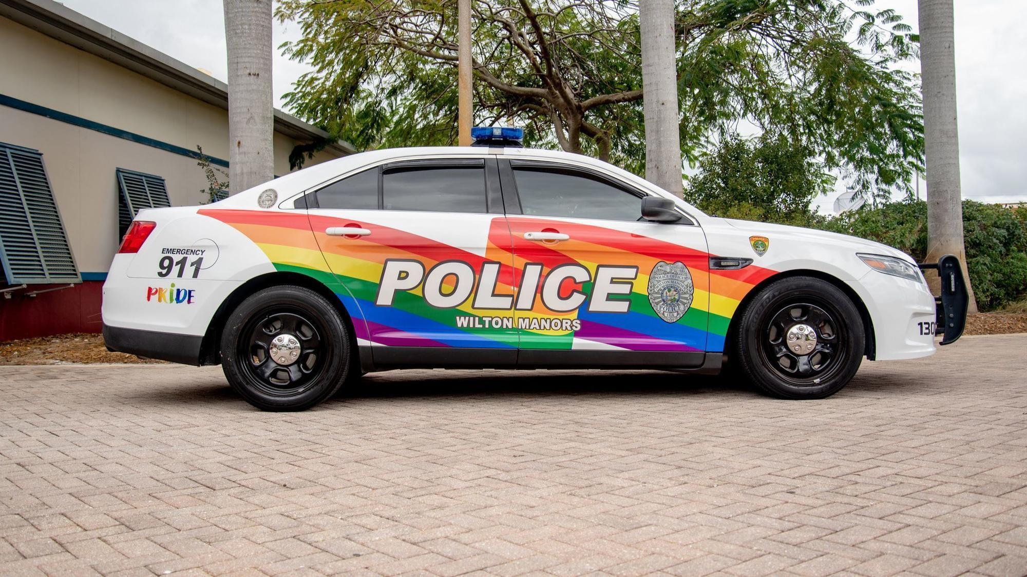 South Florida S Lgbt Capital Has A New Rainbow Police Car Sun Sentinel