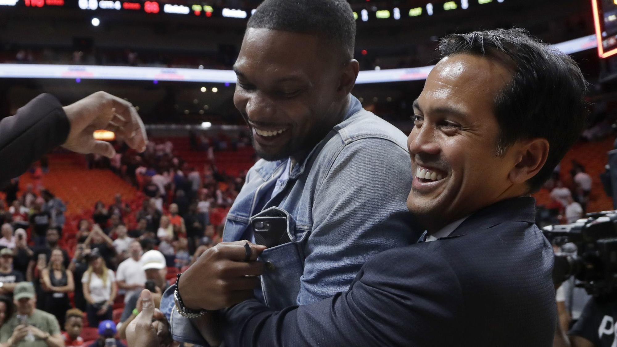 60df2156a Miami Heat to retire Chris Bosh s jersey - Sun Sentinel