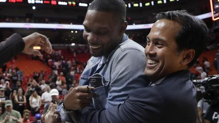 c04bed655 Miami Heat to retire Chris Bosh s jersey