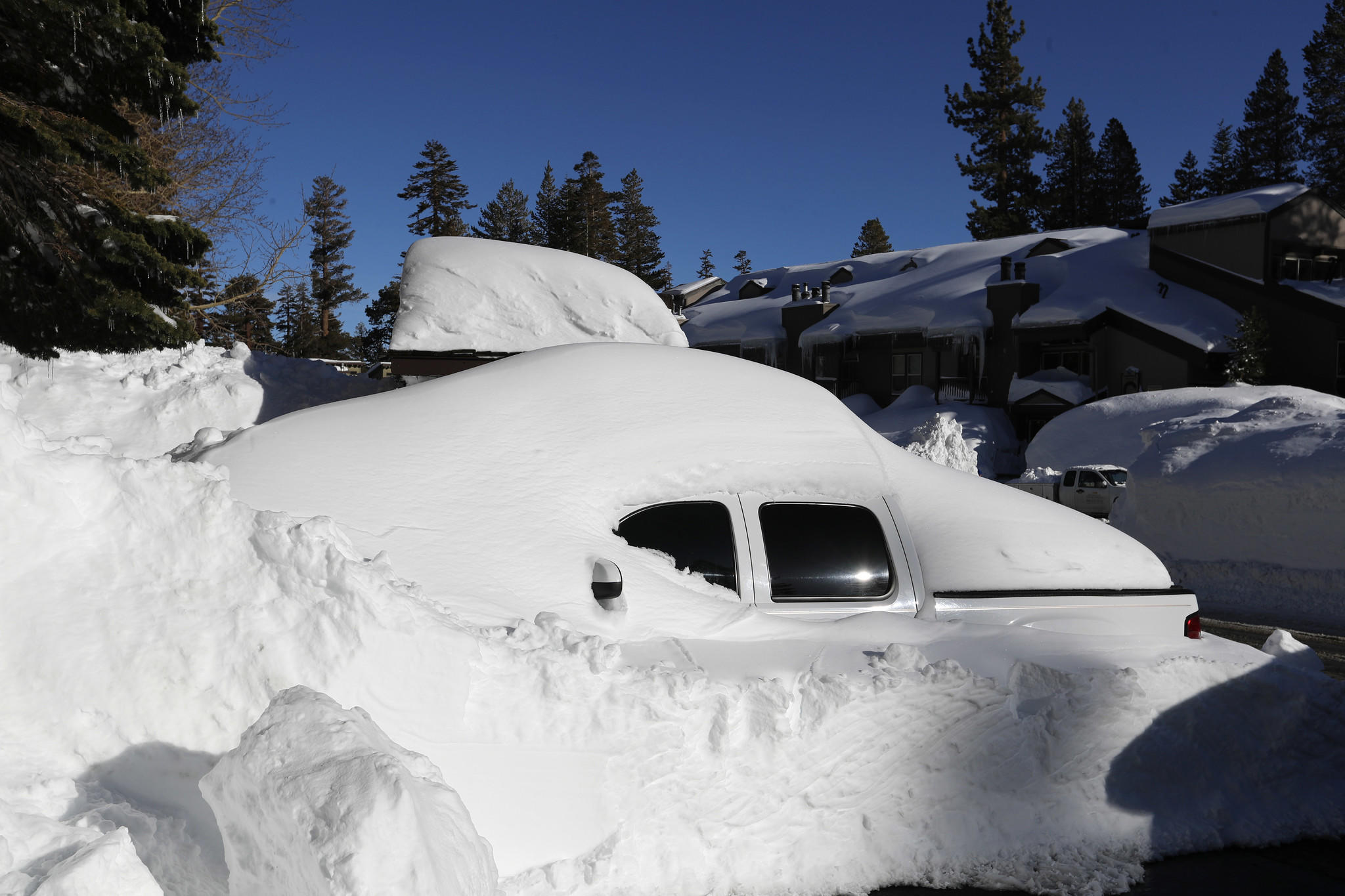 The Big Dump Digging Out From 11 Feet Of Snow In Mammoth