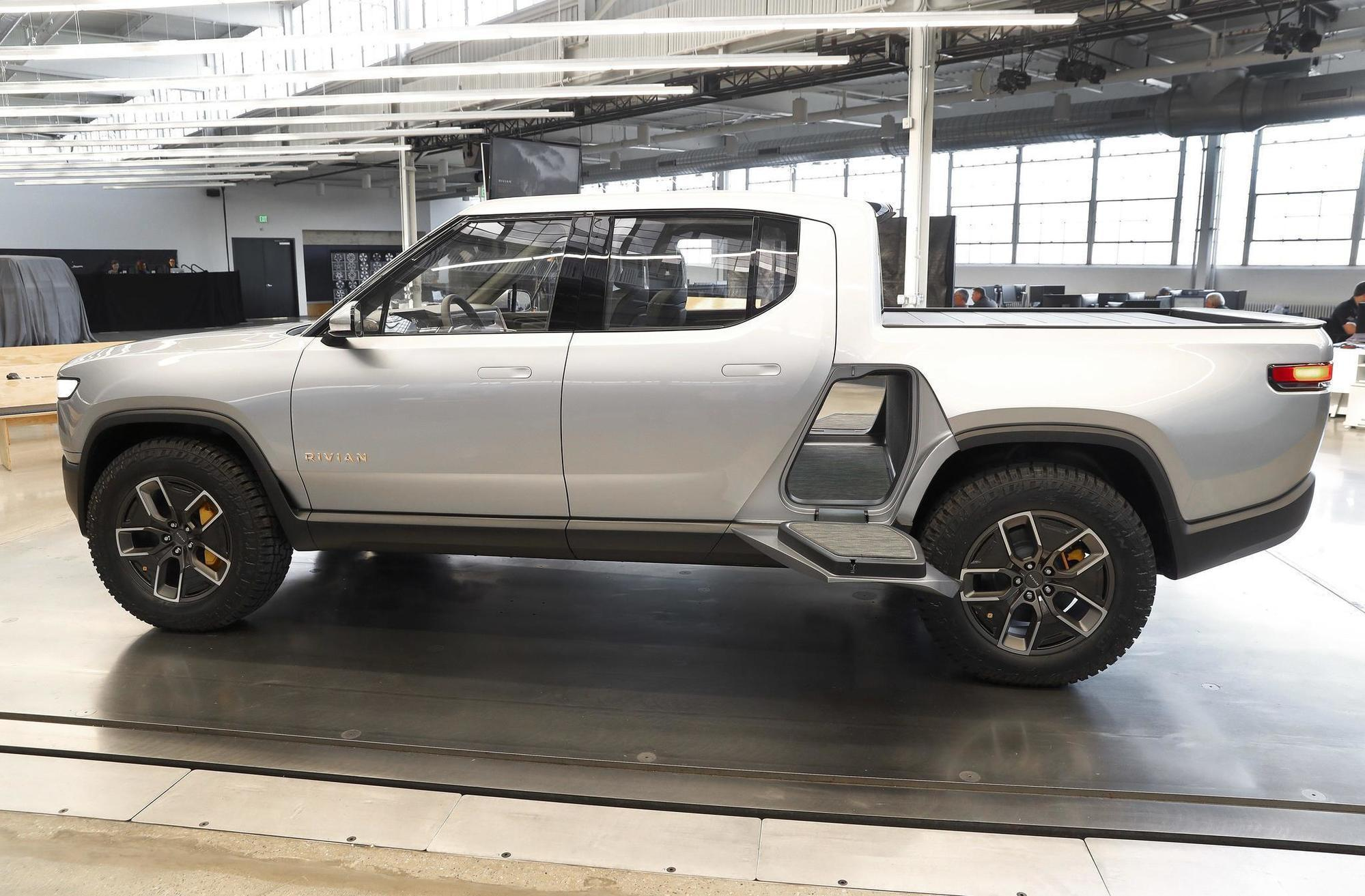 Gm May Back Electric Truck Maker Rivian Tesla Need To Check The Rearview Chicago Tribune