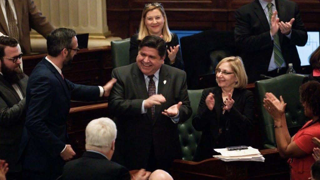 Illinois House votes to raise minimum wage to $15 by 2025; Gov. J.B. Pritzker expected to sign it