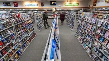 d065caa9e2a4 Renting DVDs in the age of Netflix  Glenview-based Family Video carves out  strategy