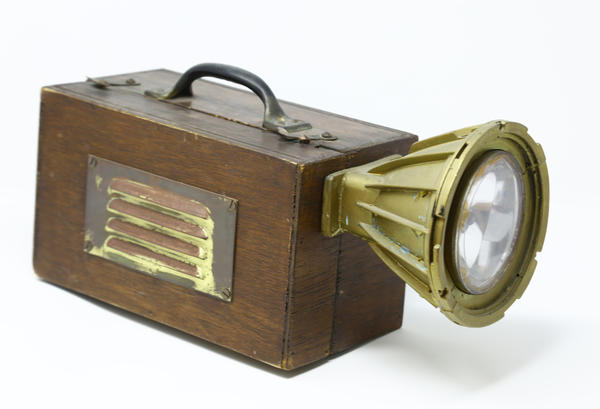 'Titanic' prop light