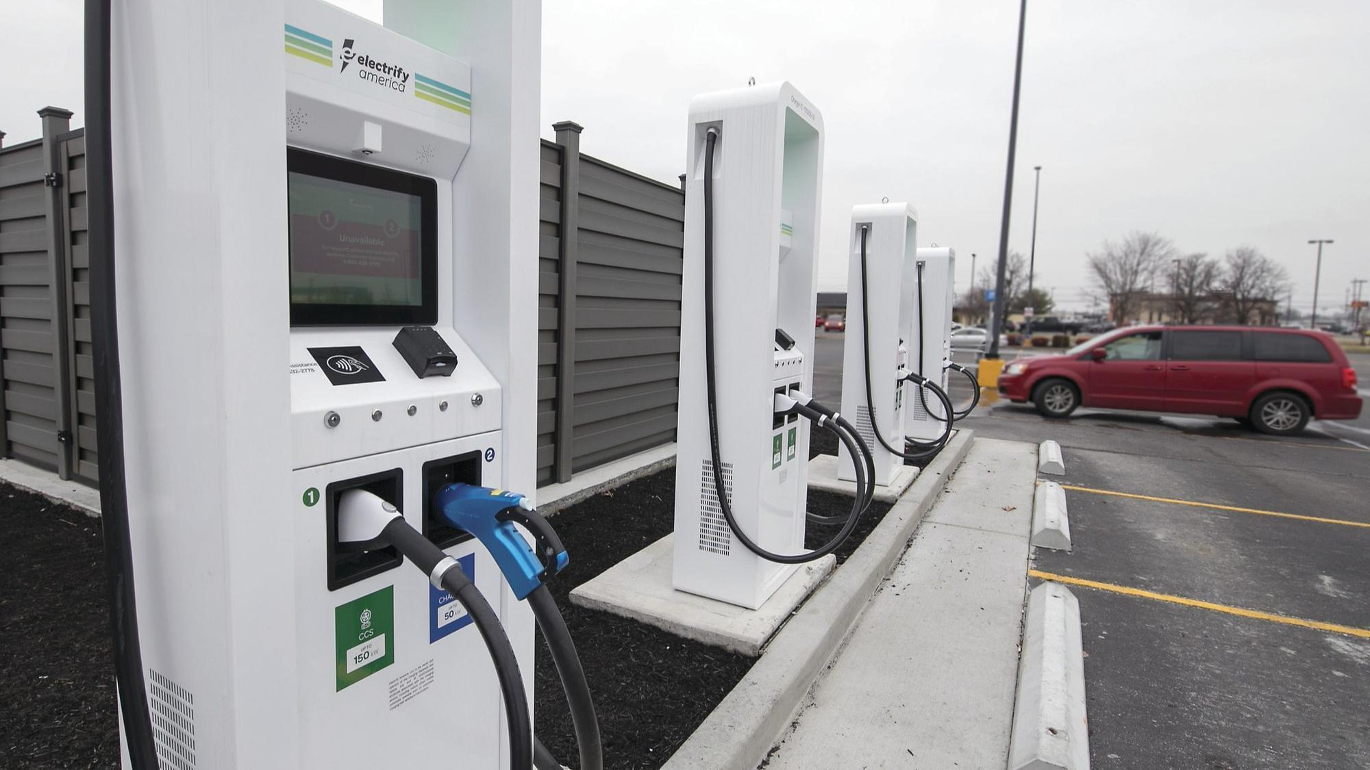 How Electric Cars Could Make Our Crumbling Roads Even Worse Chicago Tribune