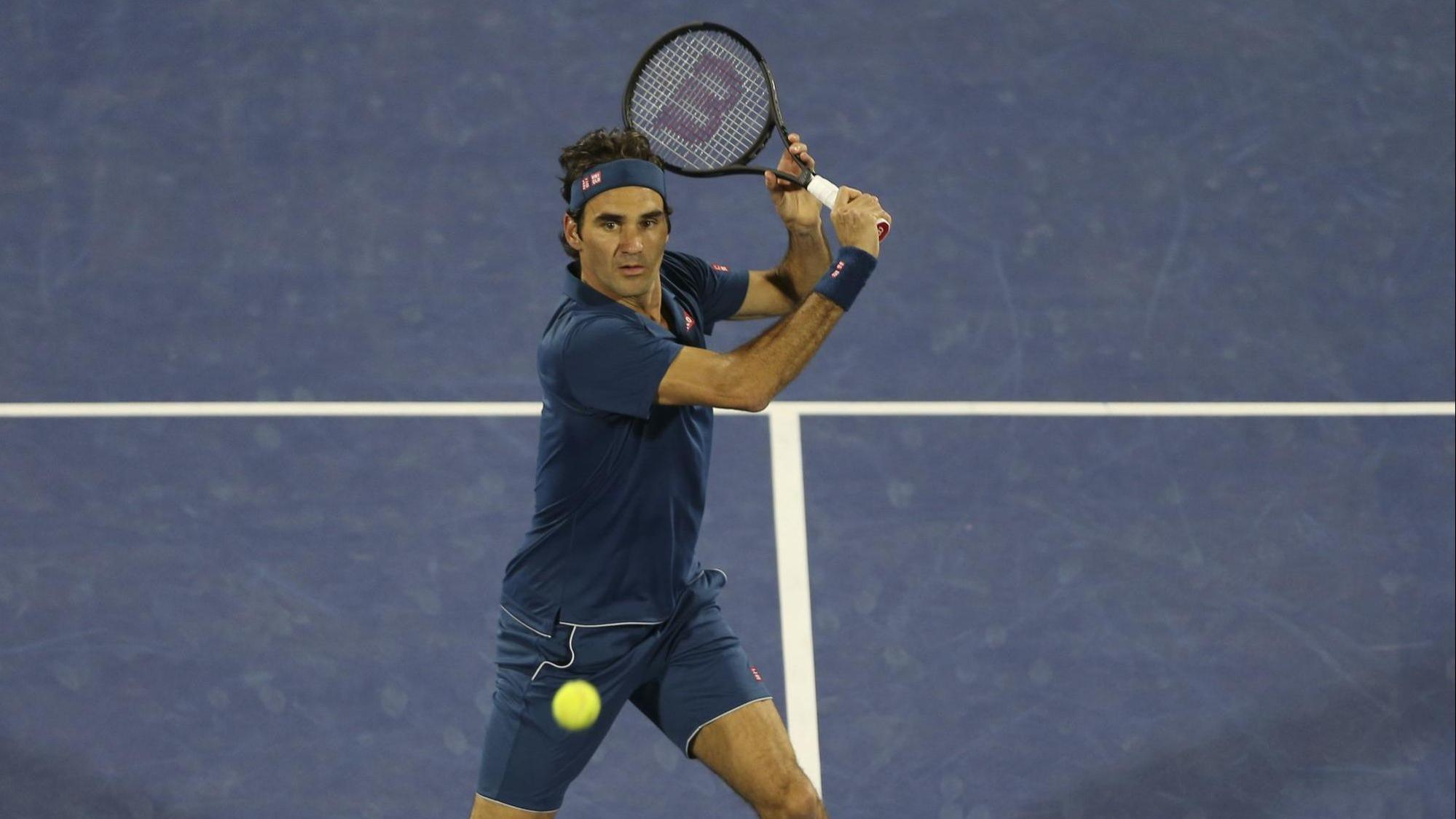 Roger Federer wins Dubai final...