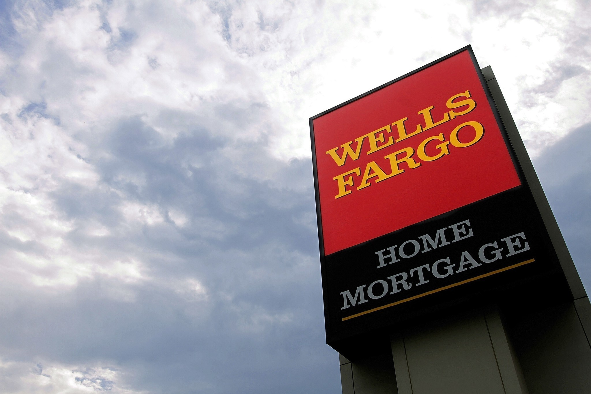 Wells Fargo is accused of bias in upkeep of foreclosed homes - LA Times
