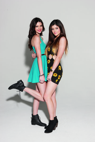 41d72f052b8 Kendall and Kylie Jenner launch summer PacSun collection - LA Times
