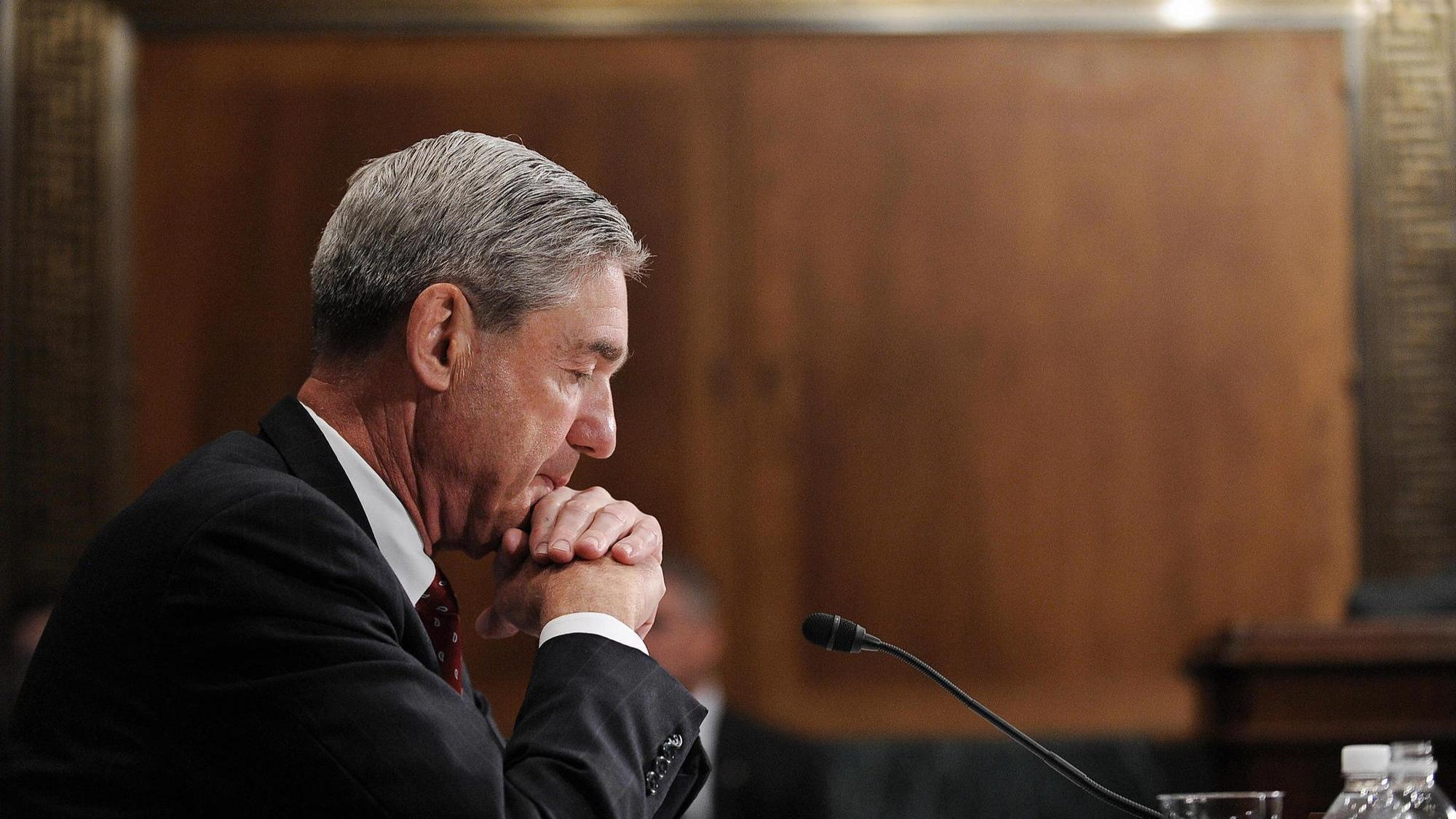 Mueller submits Trump-Russia investigation report but doesn't recommend additional indictments