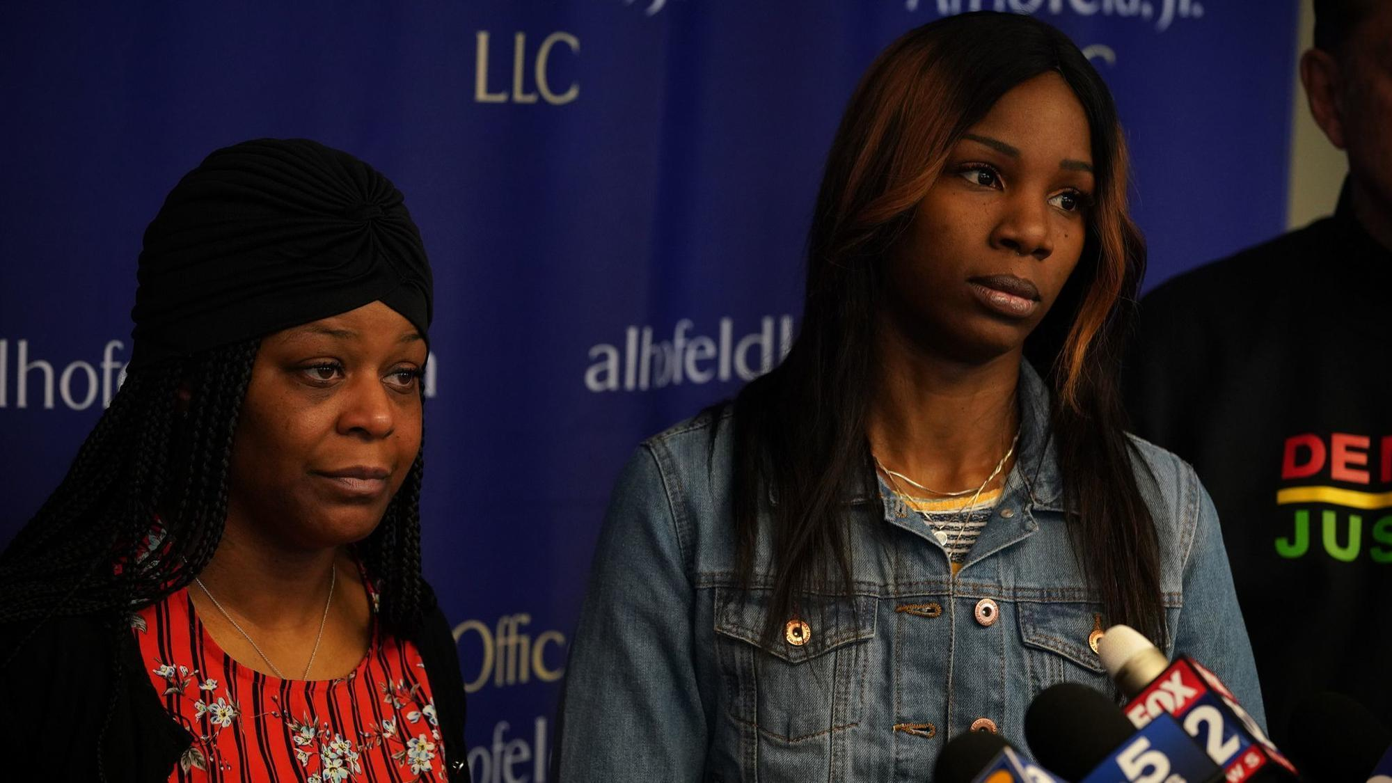 Guns Drawn Parents Cuffed Cake Smashed Lawsuit Claims Chicago Police Raided Wrong Home During Boys 4th Birthday Party