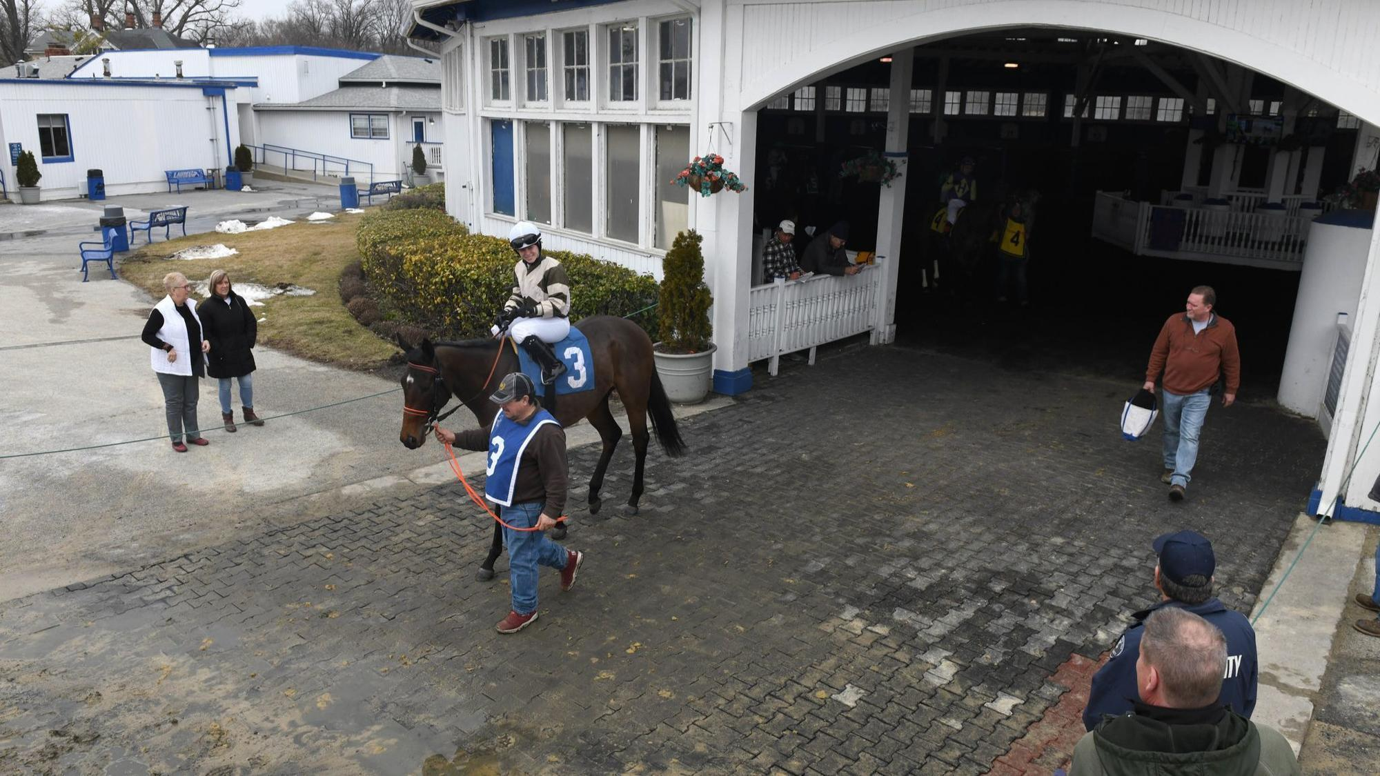 Anne Arundel County Executive to tour living conditions at Laurel Park racetrack