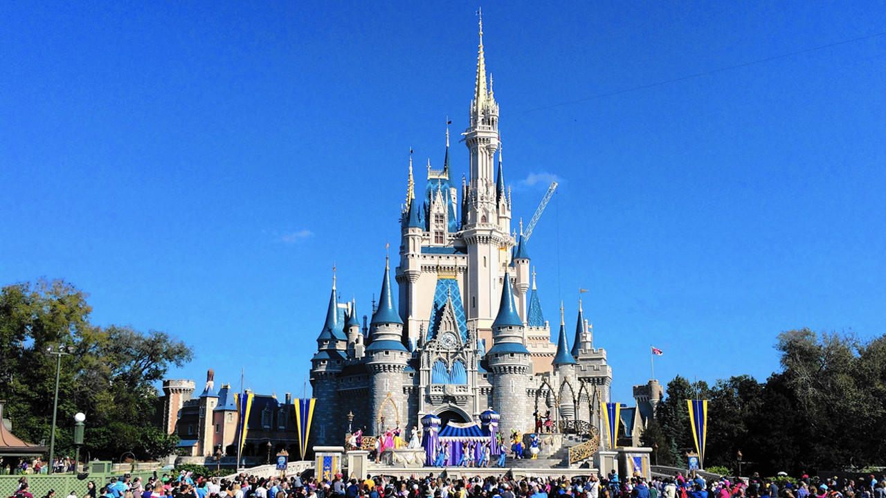 Disney Bans Smoking Limits Stroller Size In Theme Parks