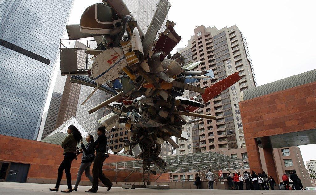 Nancy Rubins' sculpture