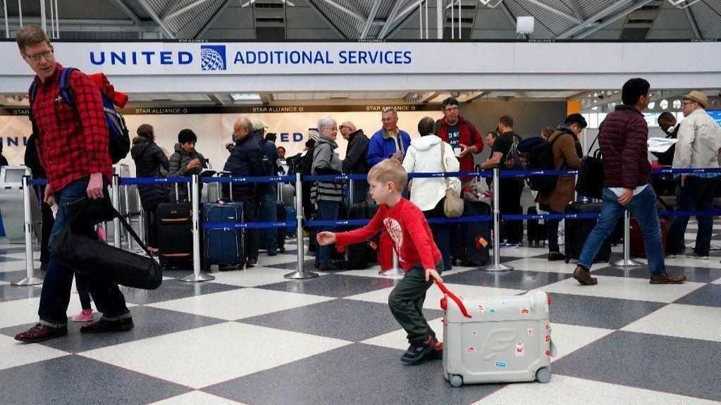 Major U S Airlines Hit By Technical Glitch Delays At