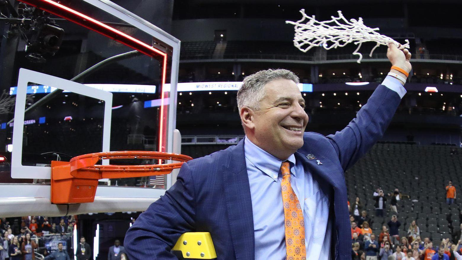e59399456d9 In defense of Bruce Pearl  No one in college basketball plays the game  better