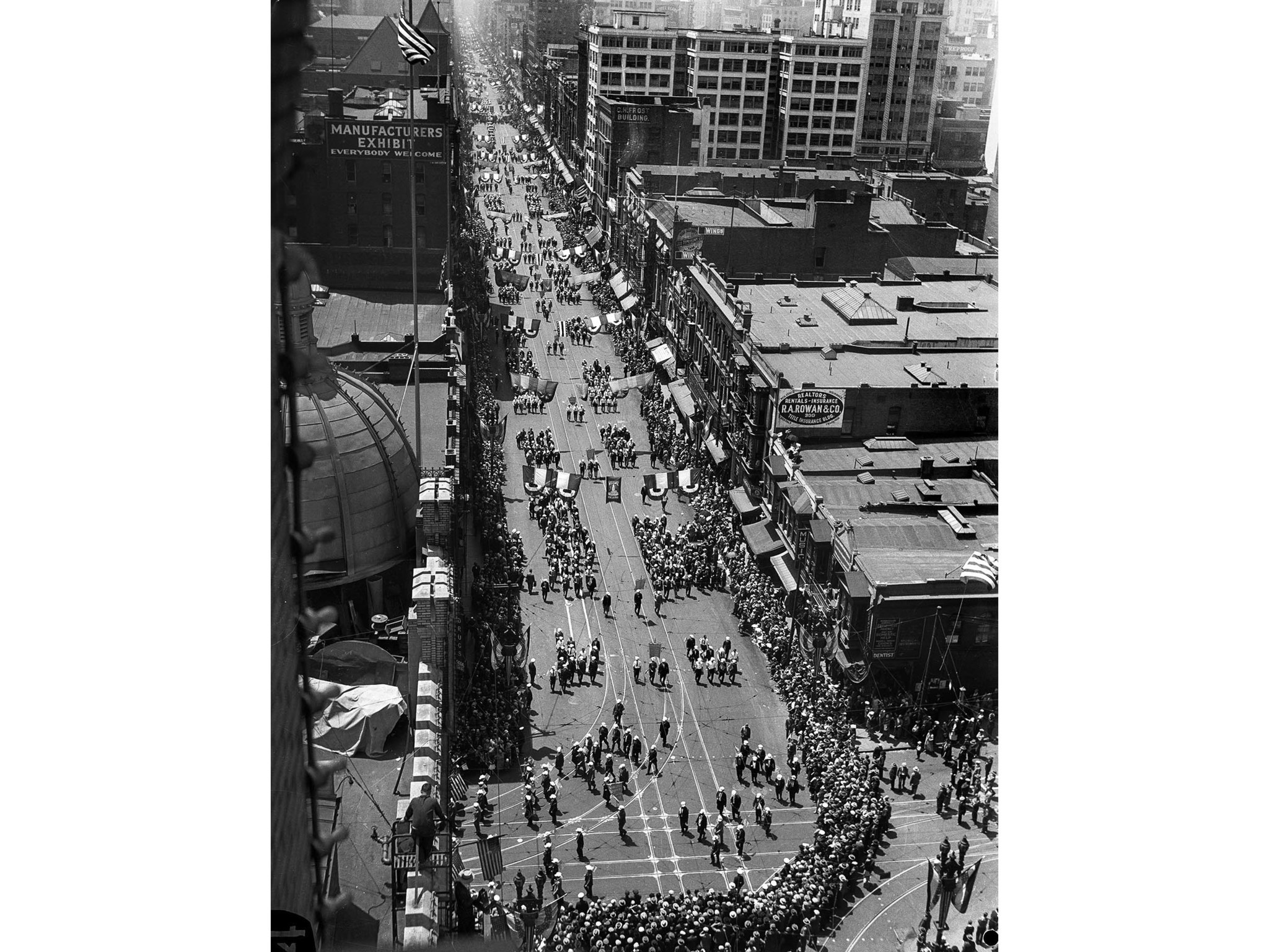 April 26, 1928: Parade dedicating the new Los Angeles City Hall on Broadway from the Los Angeles Tim