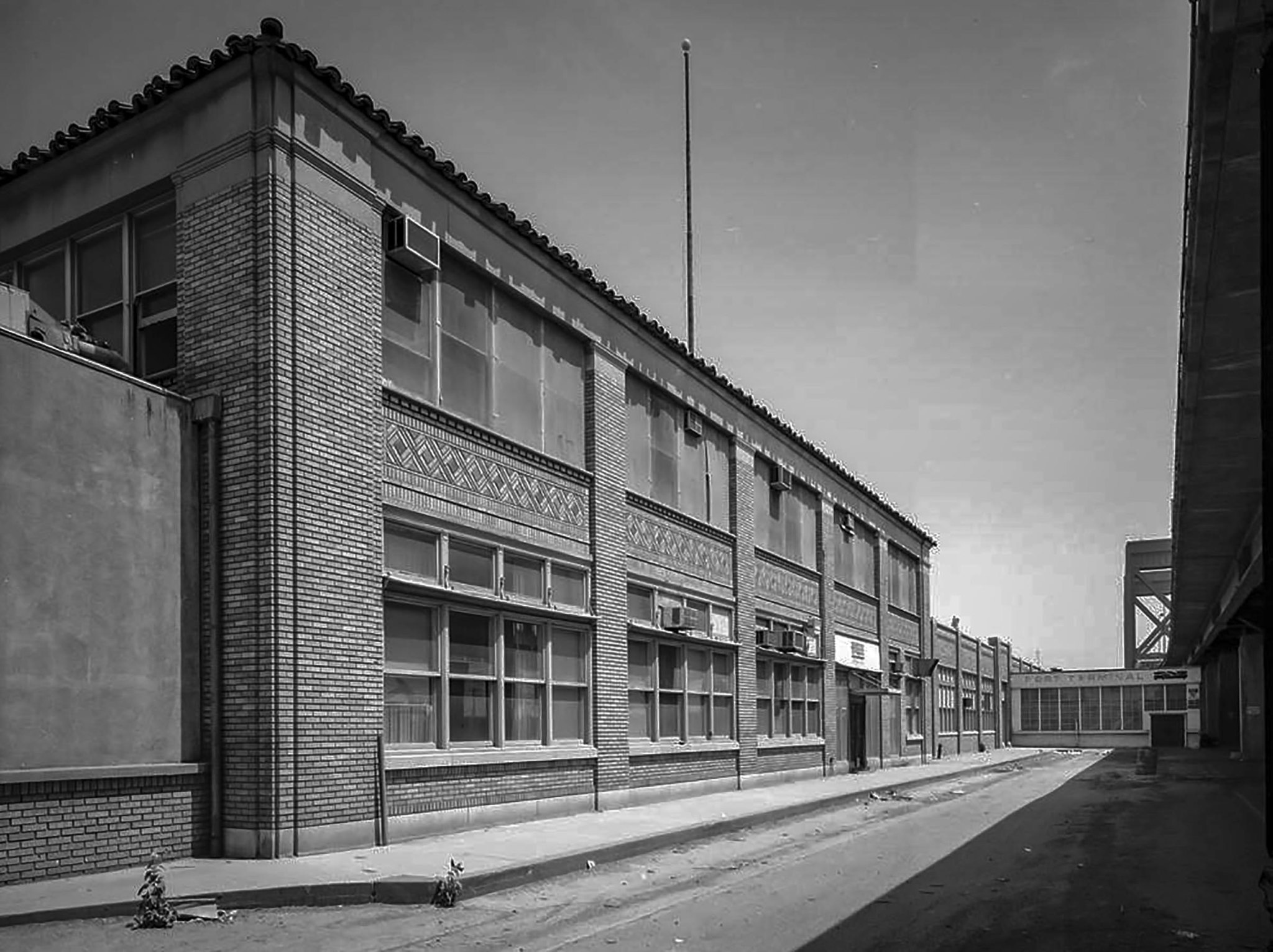 Undated photo of Adminstration Building of the Ford Motor Company Long Beach Assembly Plant. The pla