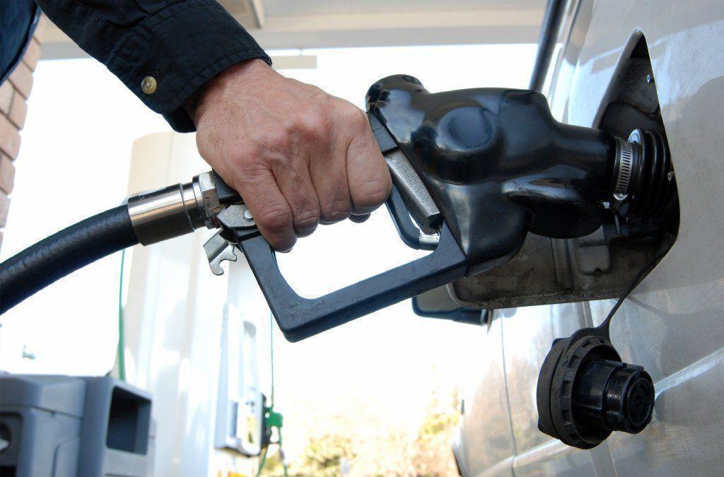 Gas Prices Miami >> The best day to fill up your gas tank to pay less - Sun Sentinel