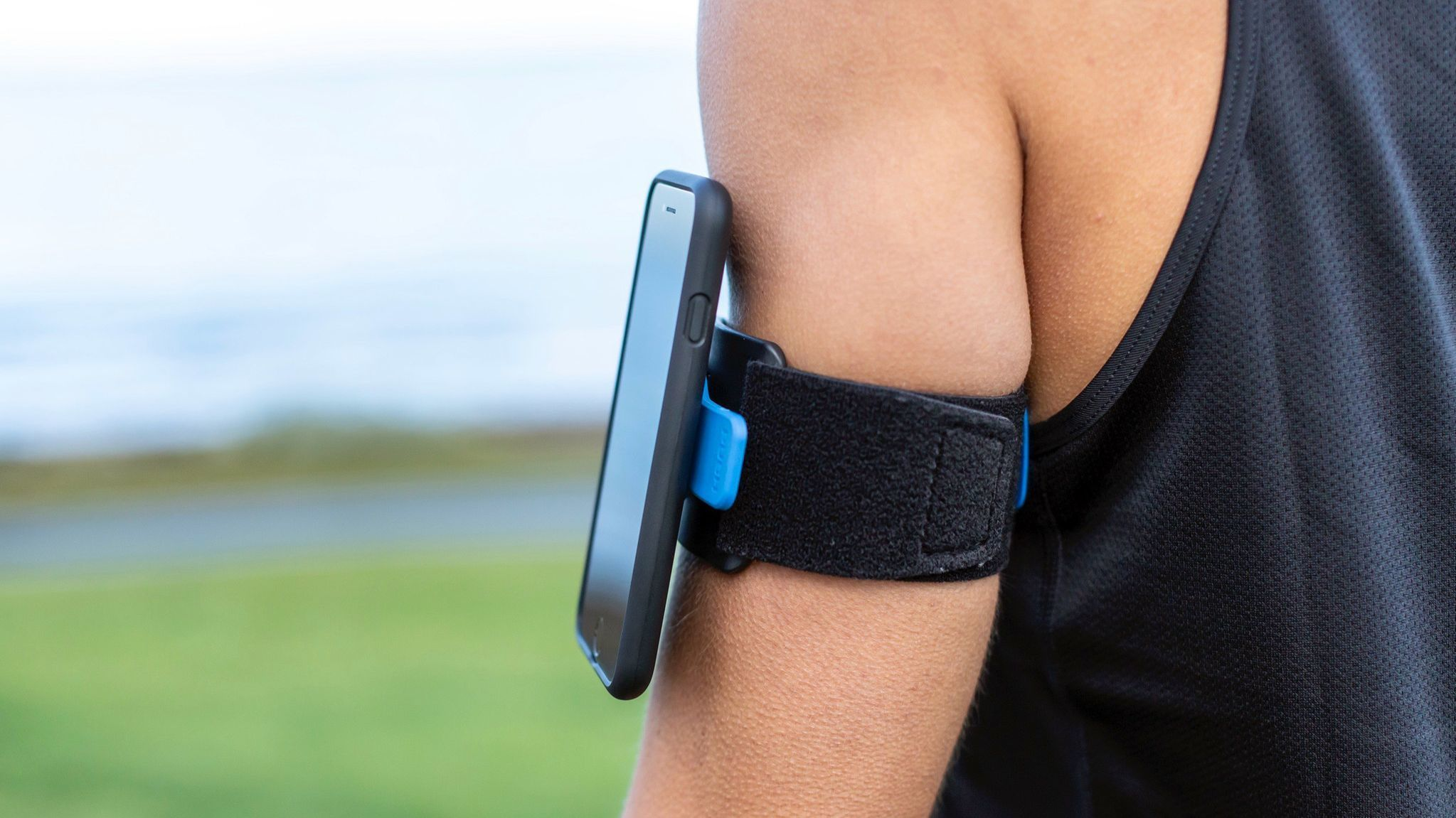 HEADLINE: Insta-Phone PRODUCT NAME AND DESCRIPTION: Quad Lock? Sports Armband. A Velcro band with a