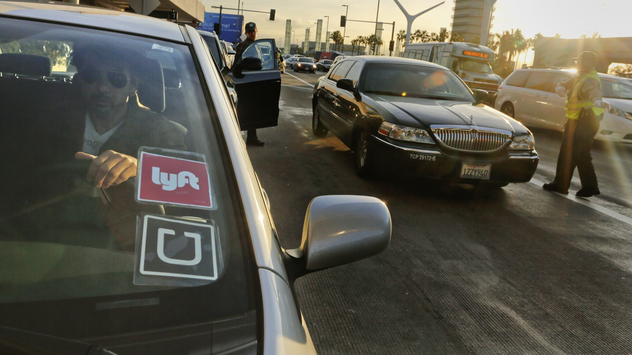How To Stay Safe While Riding Uber And Lyft