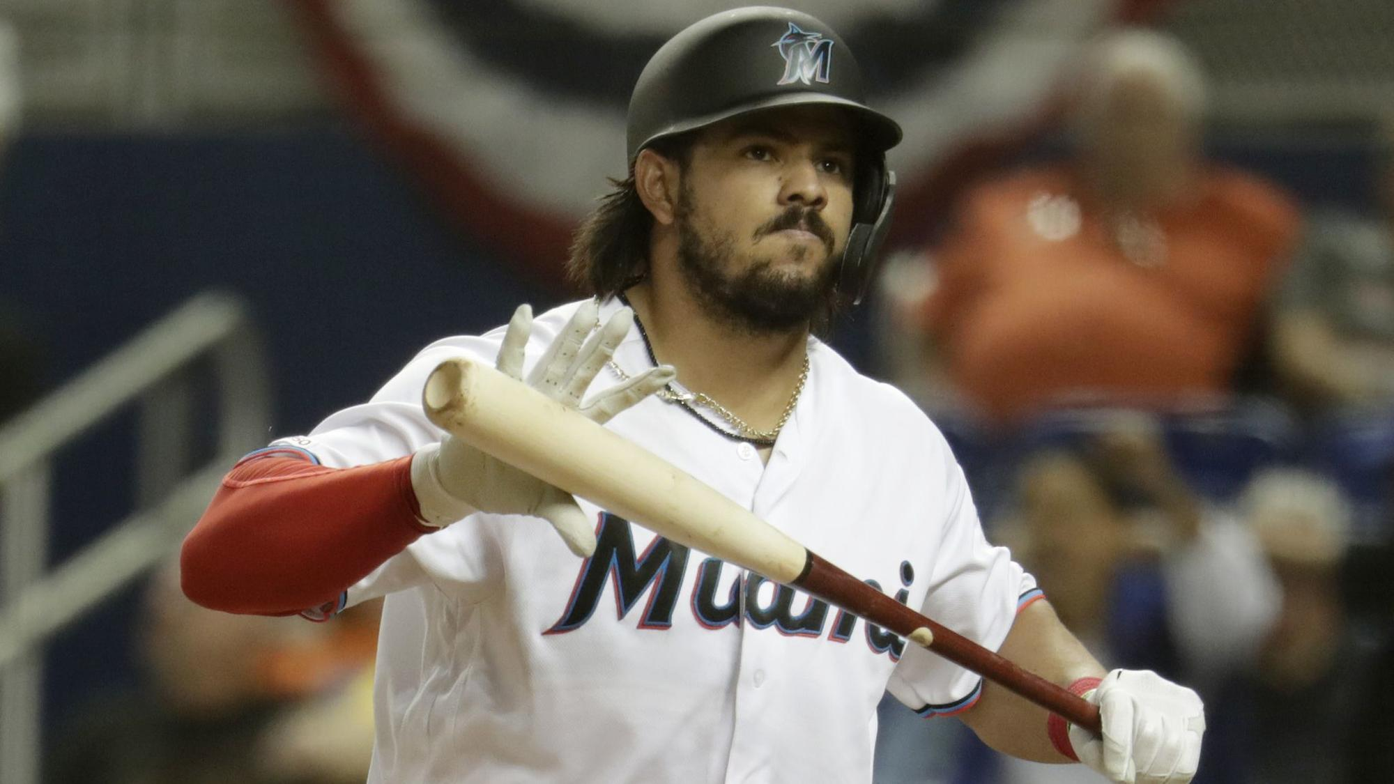 Marlins being cautious with Jorge Alfaro after awkward slide