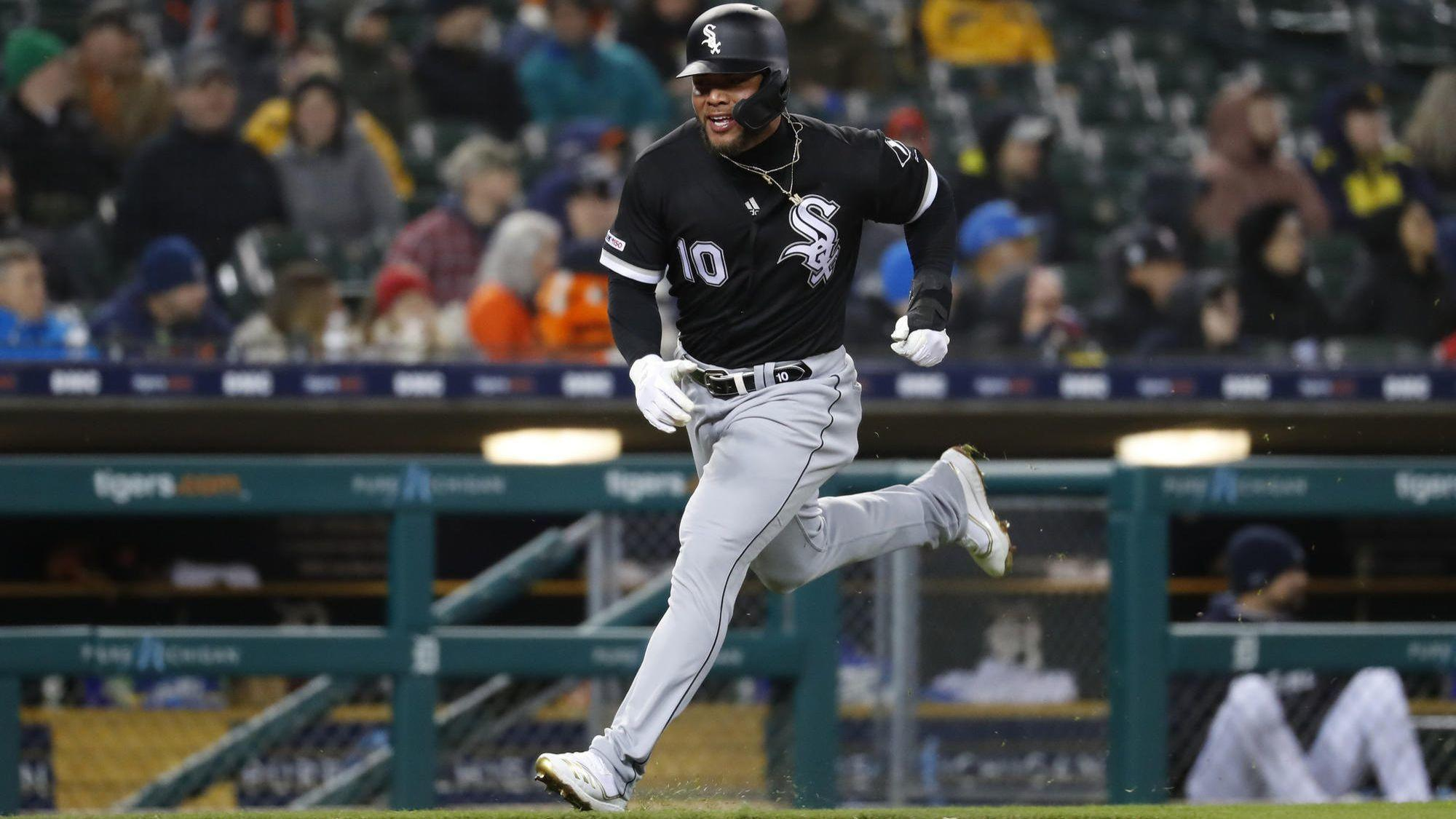 Yoan Moncada stays hot with a long home run as the White Sox top the Tigers 7-3