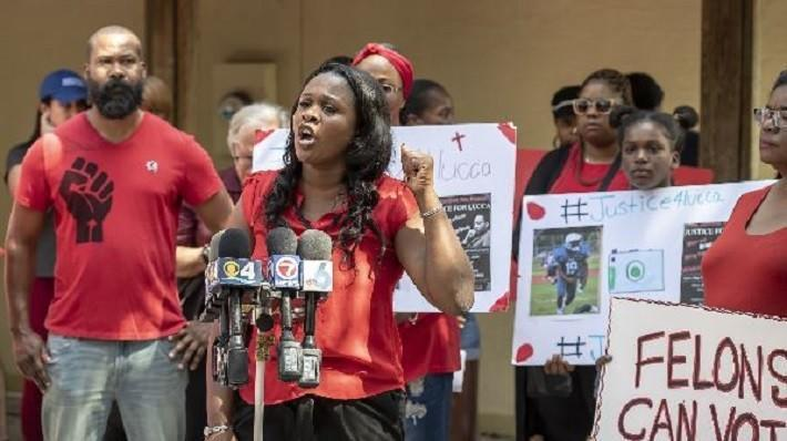 563fd3898a3 ... rally for teen beaten during arrest by Broward Sheriff s deputies. Sun  Sentinel - 19 00 PM ET April 27