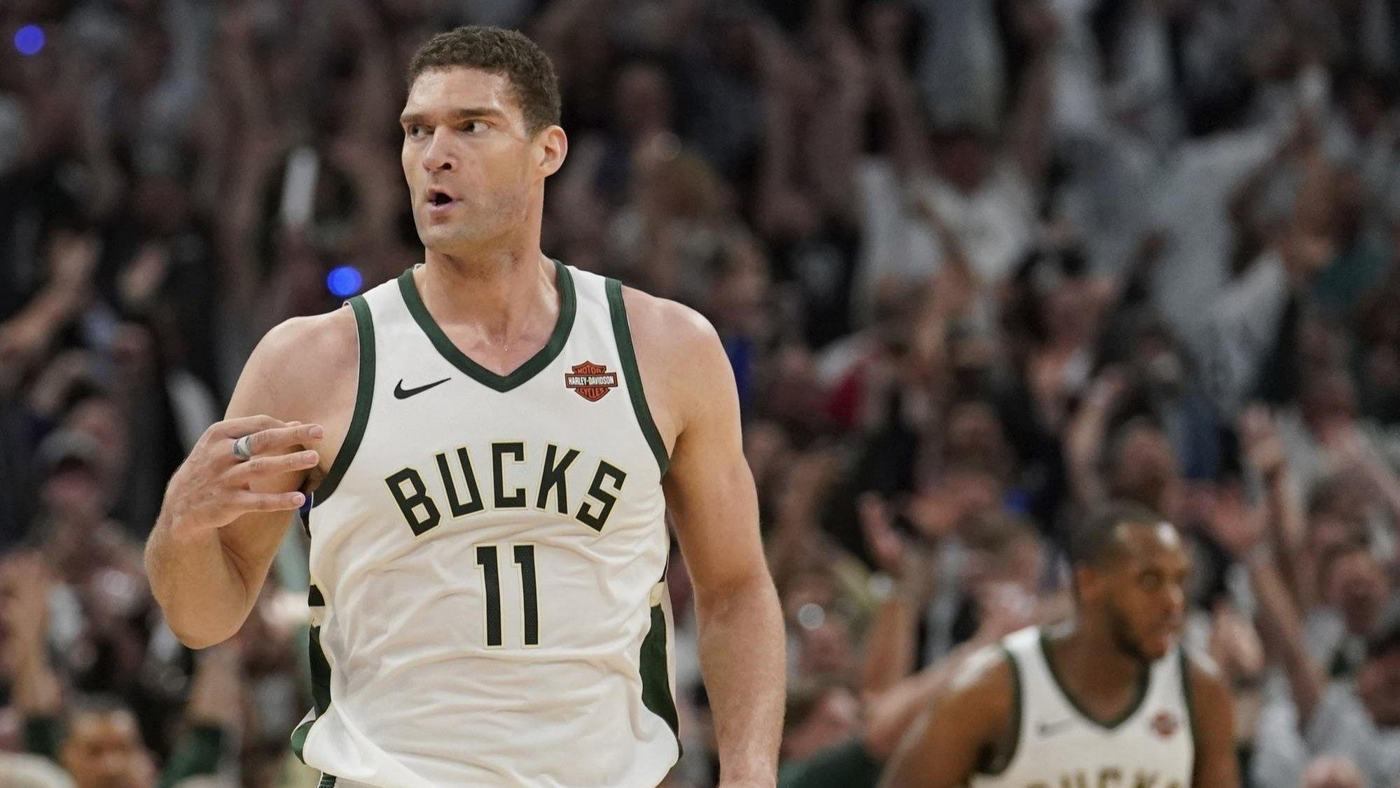 70a1c62de ... Lopez s career playoff-high 29 points pushes the Bucks past the Raptors  in Game 1 of the Eastern finals. Chicago Tribune - 09 52 AM ET May 16