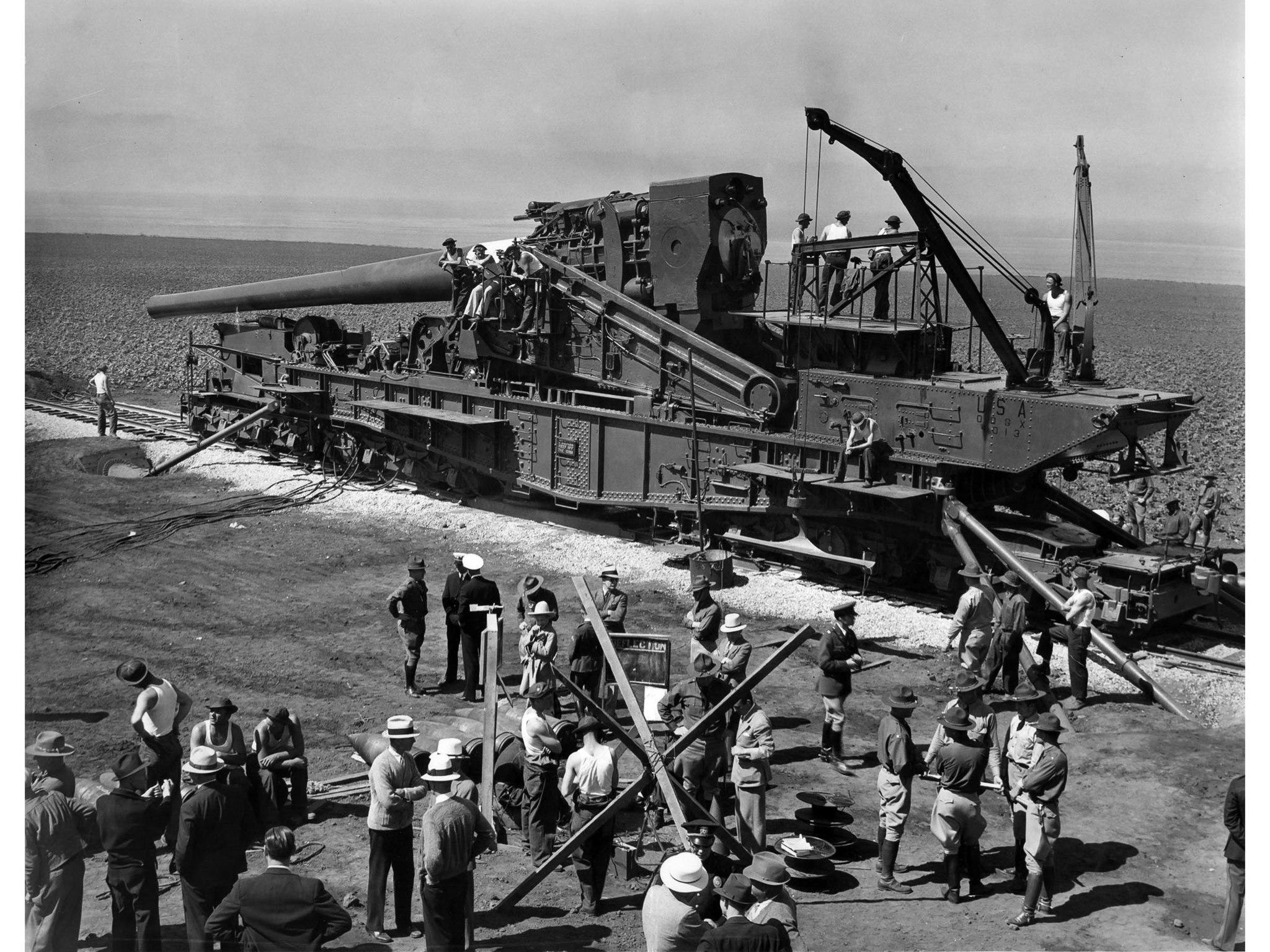 June 12, 1936: United States Army Coast Defense 14-inch railway gun is prepared for target practice