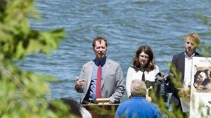 Groups hope to plant more oysters on reefs in Severn River after high survival rate last year