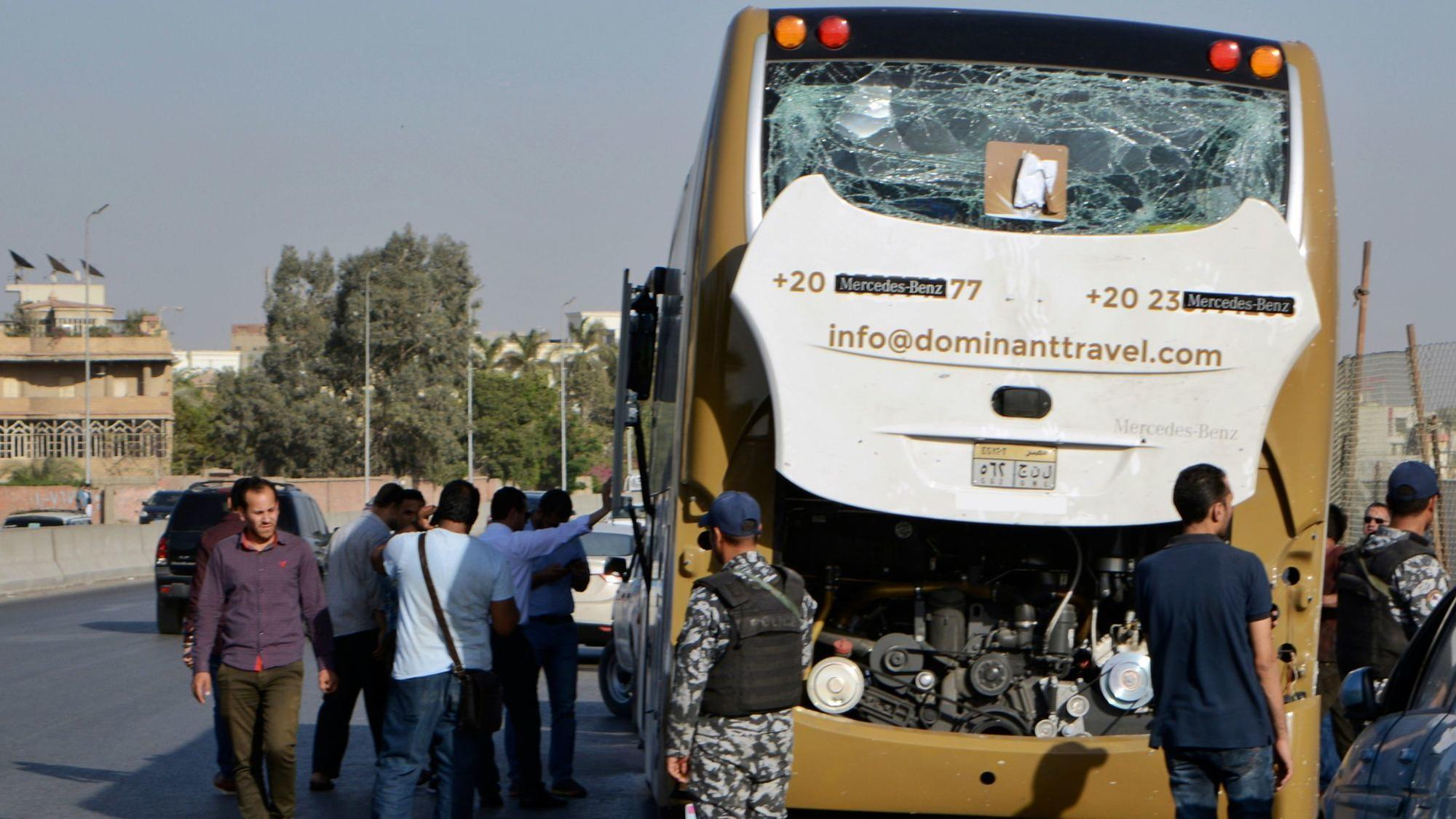 Egypt tourist bus struck by roadside bomb near pyramids, 17 wounded