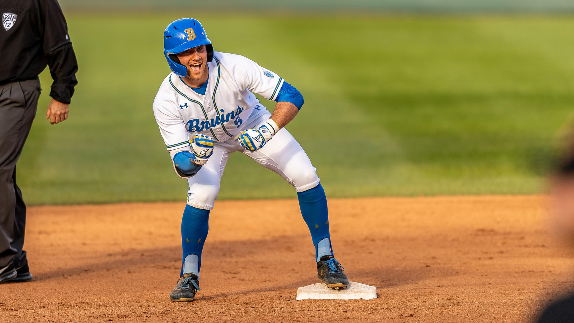 No. 1 UCLA takes over first place in Pac-12 baseball behind Garrett Mitchell