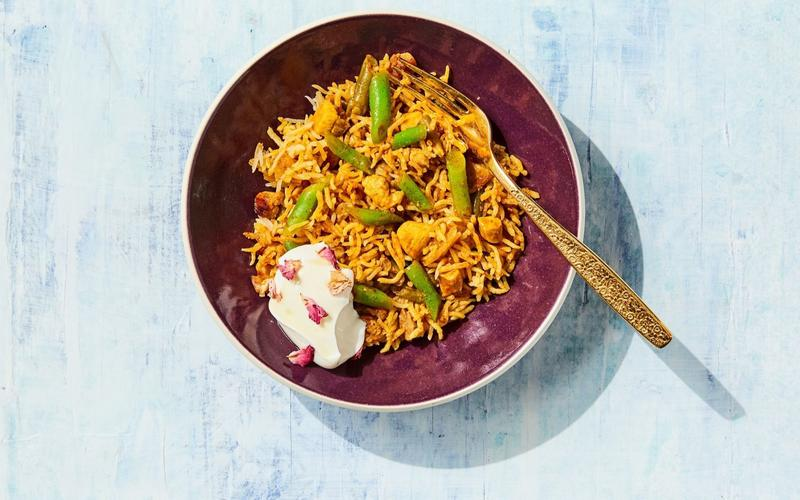 Loobia Polo (Chicken and Green Beans With Tahdig Rice)