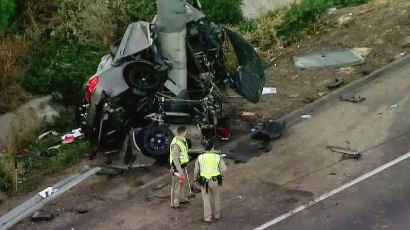 4 killed in crash that leaves car wrapped around pole on 710 Freeway