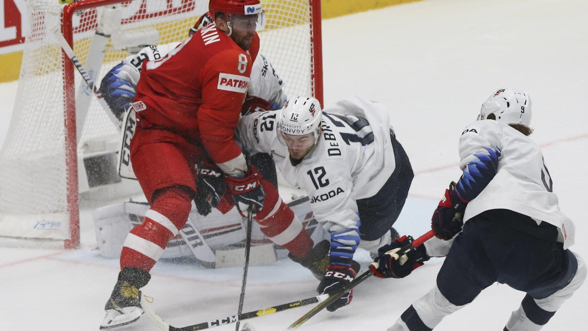 Alex DeBrincat's goal, Patrick Kane's 2 assists not enough as U.S. falls to Russia in world hockey championship semifinals