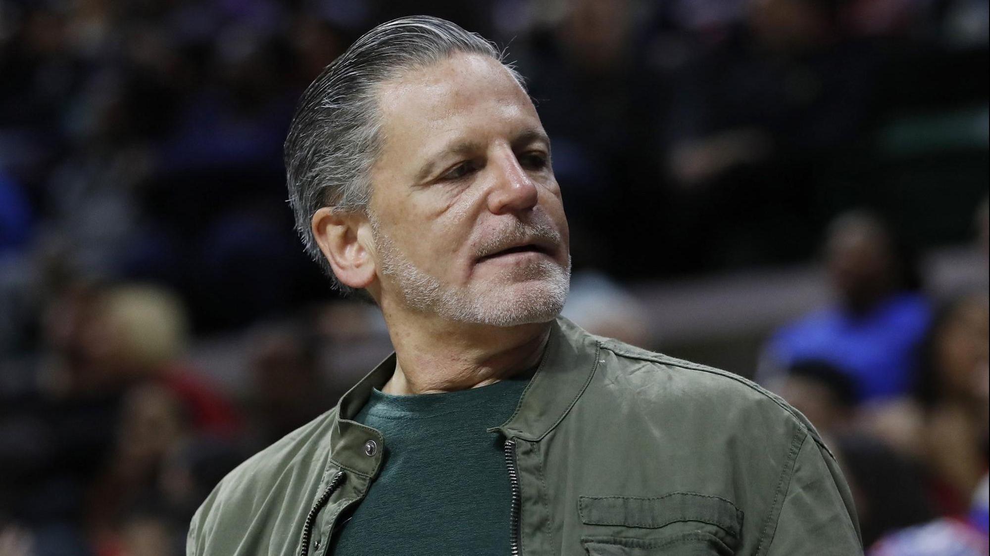 Cavaliers owner Dan Gilbert recovering after suffering stroke symptoms