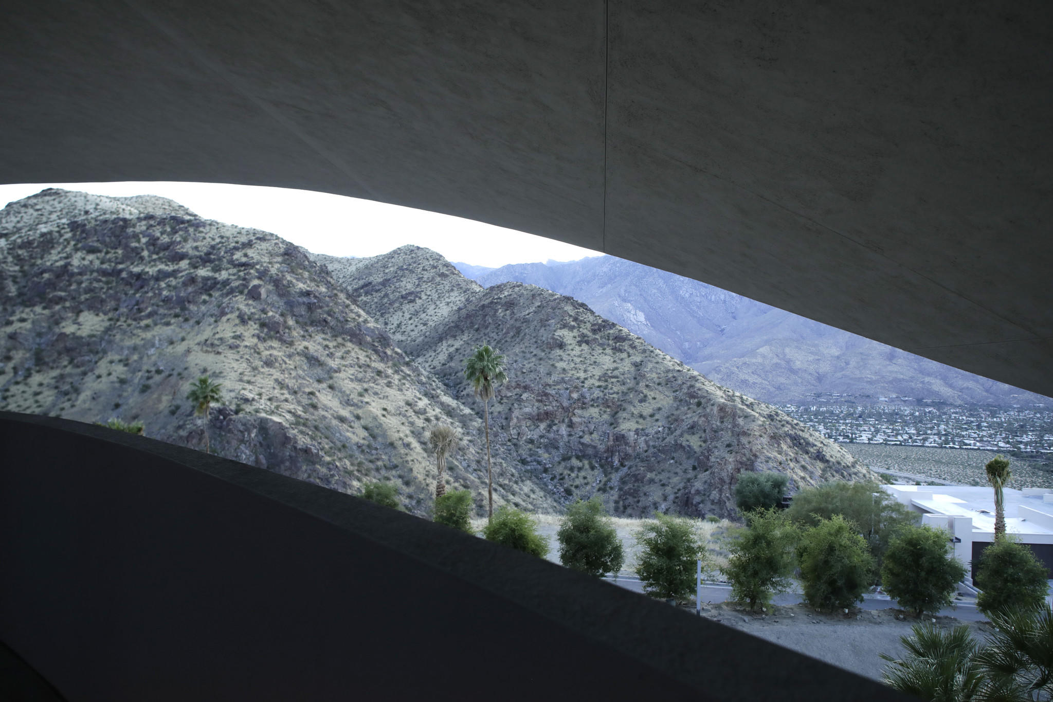 Bob Hope House In Palm Springs Long An Architectural Footnote Approaches Masterpiece Status Los Angeles Times