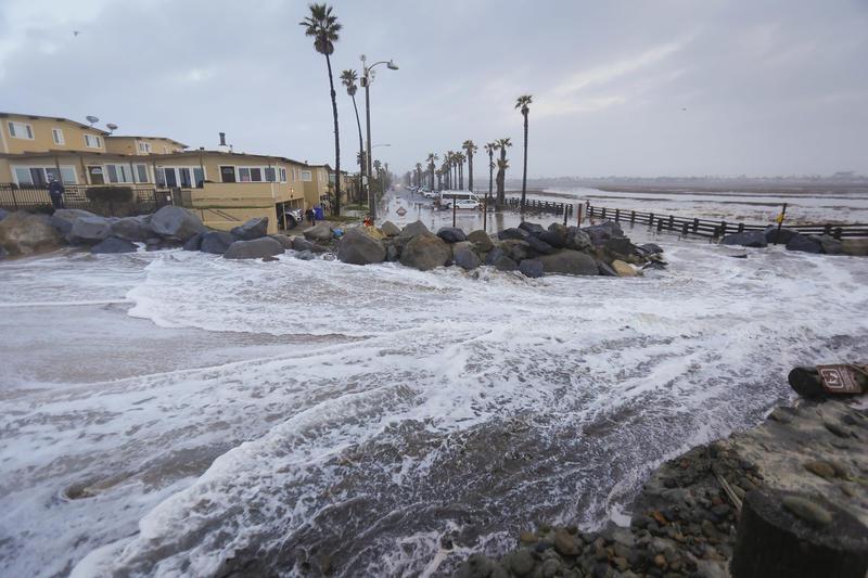 Ante El Ascenso Del Mar La Costa De California Está Desapareciendo Las Opciones Son Sombrías Los Angeles Times