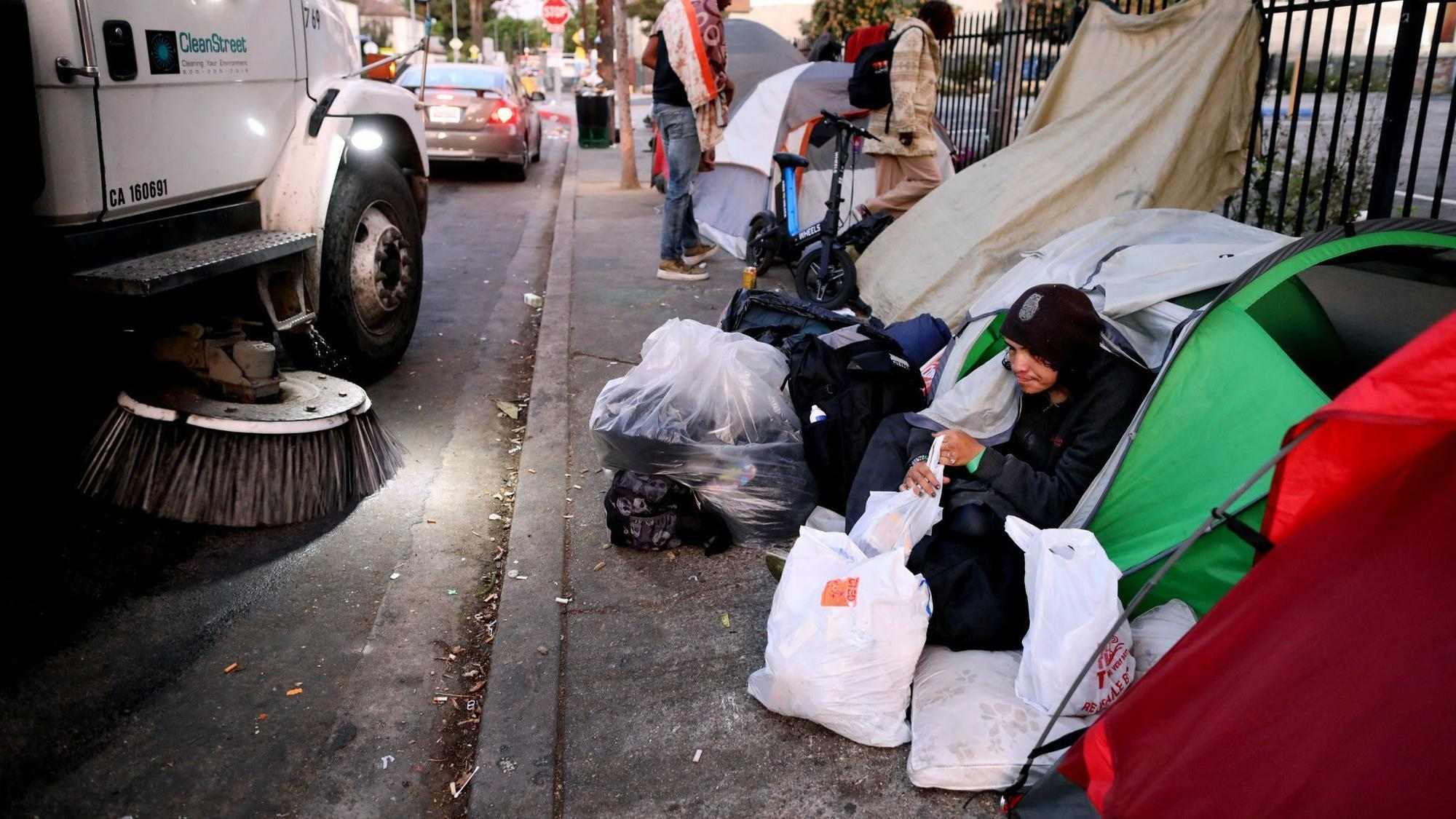 L.A. is spending billions to fix homelessness. The problem is only getting worse