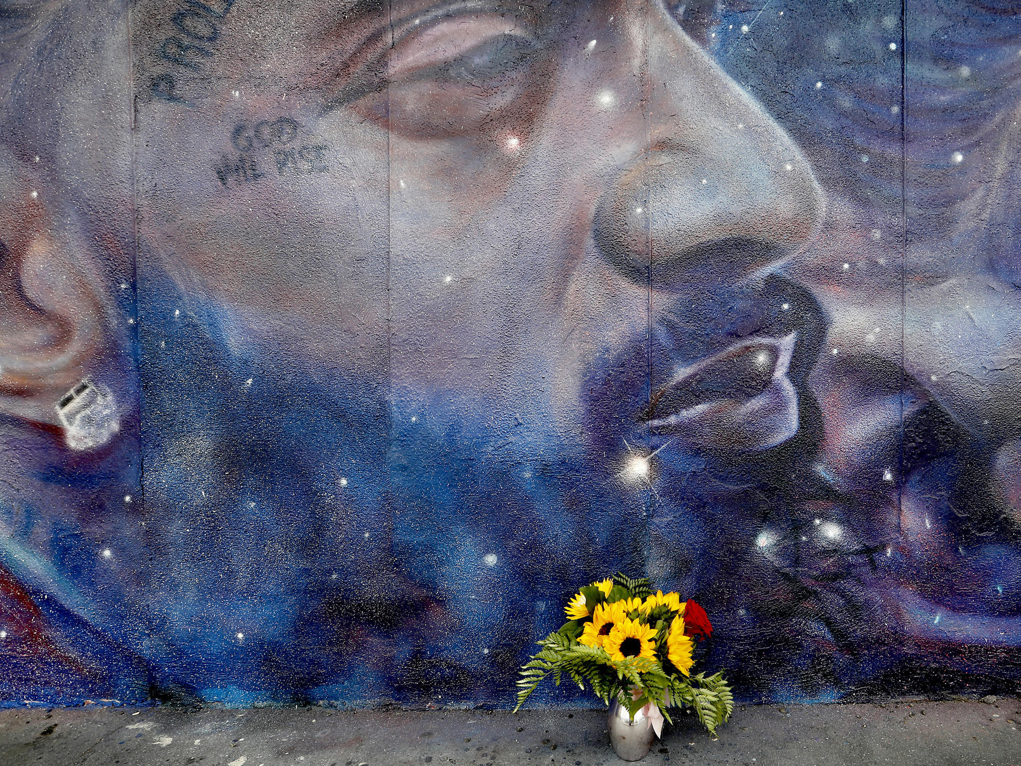 Nipsey Hussle mural on basketball court