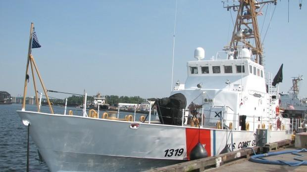 Coast Guard rescues four people from boat in Anne Arundel's Herring Bay